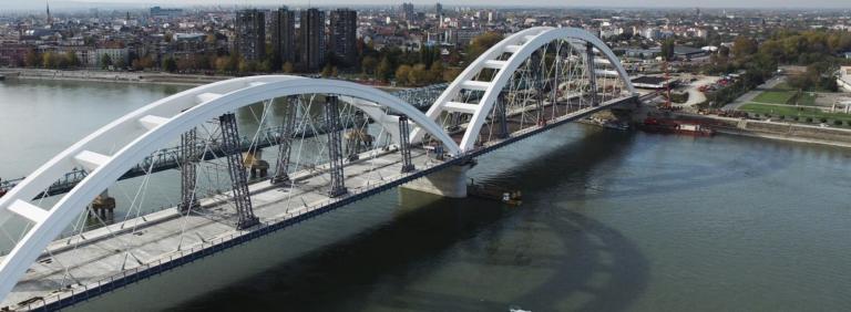 Žeželj-Brücke über die Donau_Zeljko Mandic