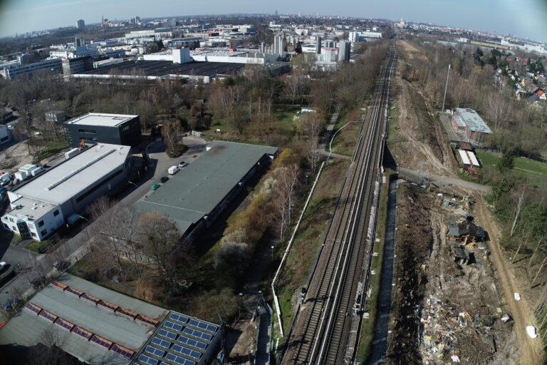 Teilabschnitt der Dresdner Bahn aus der Vogelperspektive