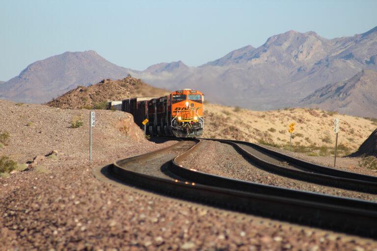 emissionsfreie Bahn - Güterzug USA